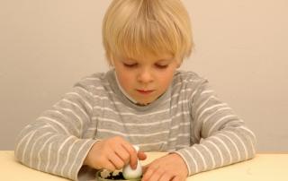 Grundschulblog Sachunterricht Experiment Herbst Blätter zerkleinern