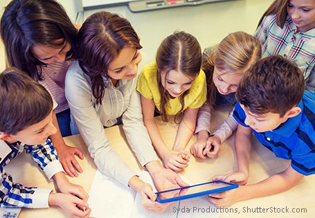 Schülerinnen und Schüler Tablet